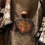 莫喬珍藏超稀有寶物——降珍香木牌項鍊